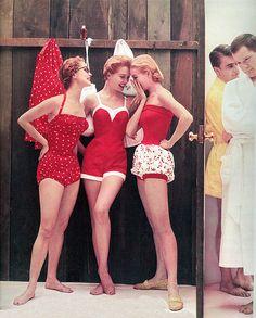 Bañadores rojos by J ´ Adore the vintage, via Flickr