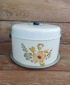 Vintage Flower Cake Carrier, Cake Storage, Farmhouse Chic, Retro Kitchen