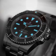"""1,757 mentions J'aime, 30 commentaires - Alan (@rolexdiver) sur Instagram: """"Black and white with blue lume. Playing with a little bit of color splash. Kind of cool with the…"""""""