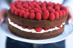 Chocolate sponge cake with raspberries - Our 20 best chocolate cake recipes