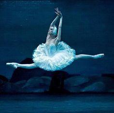 "<<Ulyana Lopatkina (Mariinsky Ballet) # ""Swan Lake"">>"
