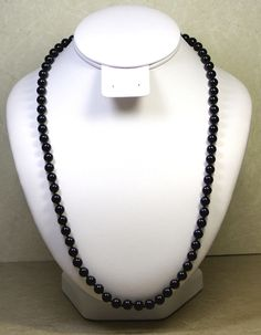 VINTAGE NAPIER 25 INCH NECKLACE WITH ROUND 1/4 INCH BLACK BEADS, GOLD TONE CLASP #Napier #StrandString