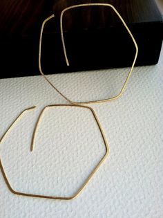 earring mine in a round balloon form