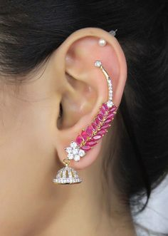 This article of Stylish Hottest Earring Trends has plenty of designs that will add eye popping feature to your personality and the Pegasus Ear Cuff is just awesome. Ear Jewelry, Jewelry Accessories, Jewelry Design, Gold Jewelry, Indian Wedding Jewelry, Indian Jewelry, Ear Cuffs, Fashion Earrings, Fashion Jewelry