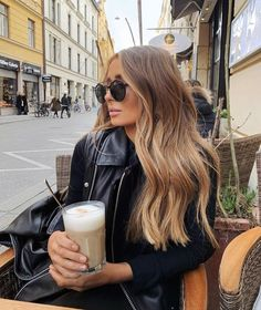 Coolest Style of Brown Balayage Hair Trends for 2020 Brown Hair Balayage, Brown Blonde Hair, Hair Color Balayage, Long Hair Highlights, Bronde Hair, Bayalage Light Brown Hair, Light Brown Hair Colors, Brown Balyage, Balayage Highlights Brunette