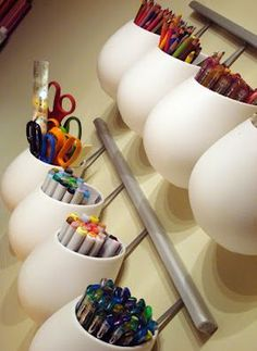 Die Behälter sind eigentlich aus dem Küchenprogramm, aber auch super praktisch fürs Kinderzimmer. // IKEA storage for kids rooms