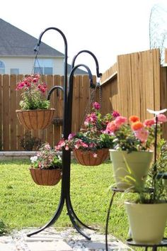 Pride Garden Products - Hanging Basket Tree - Solid single tube construction with no weld points. Holds up to four hanging baskets. Baskets On Wall, Hanging Baskets, Hanging Plants, Diy Hanging, Front Porch Plants, Front Porches, Garden Plant Stand, Plant Stands, House With Porch