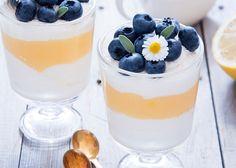 Verrine with lemon curd, Blueberry Desserts, Köstliche Desserts, Healthy Dessert Recipes, Delicious Desserts, Yummy Food, Forest Fruits, Dessert Shots, Food Porn, Lemon Curd