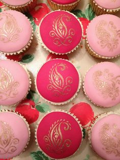 Henna-design inspired cupcakes - perfect for a Bollywood theme #party #indianwedding http://www.alibabaevents.com