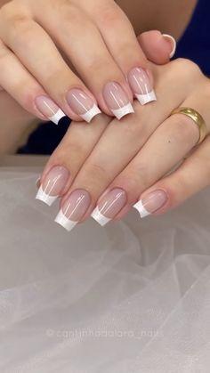 How to perfectly do a french nail design! By: @cantinhodalara_nails French Nail Designs, Simple Nail Designs, Acrylic Nail Designs, Nail Art Designs, Acrylic Nails, Glitter Nail Art, Gel Nail Art, Nail Art Diy, Polygel Nails