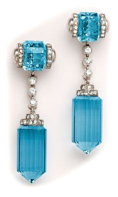 Art Deco barrel-cut aquamarine, diamond and platinum long drop earrings. by herland Gems Jewelry, Art Deco Jewelry, I Love Jewelry, Fine Jewelry, Jewelry Design, Jewellery Earrings, Jewlery, Jewellery 2017, Silver Jewelry