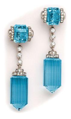 20 GorgeousAquamarines ~ Art déco aquamarine, diamond and platinum earrings. - Style Estate - http://blog.styleestate.com/style-estate-blog/20-gorgeous-aquamarines.html