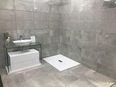 Notre showroom - www.kingcarrelage.fr Showroom, Alcove, Bathtub, Bathroom, Bath, Patio, Standing Bath, Washroom, Bathtubs