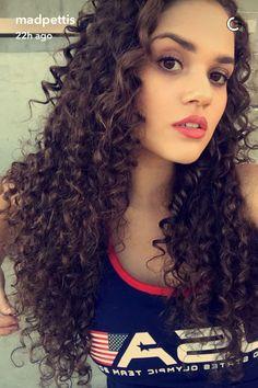 @кνєяѕтνи Mixed Girls, Long Curly Hair, Curly Girl, Curled Hairstyles, Hairstyles Haircuts, 3b Hair, Bombshell Beauty, Blonde Curls, Dream Hair