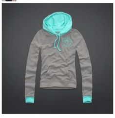 Hollister hoodie OMG I JUST DIED AND WENT TO HEAVEN IS IT OK TO MAKE MY XMAS LIST NOW!!!!♡♡♡