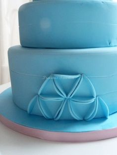 blue cake (triangle) - by PreciousPeggy @ CakesDecor.com - cake decorating website