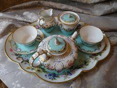 Vintage Cups, Vintage Tea, Antique Tea Sets, Tea And Crumpets, Teapots Unique, Tea Cup Set, Antique China, China Patterns, Coffee Set
