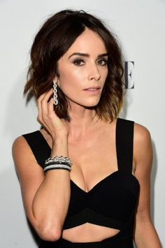 Abigail Spencer Photos Photos - Actress Abigail Spencer attends the Annual ELLE Women in Hollywood Awards at Four Seasons Hotel Los Angeles at Beverly Hills on October 2015 in Los Angeles, California. - Annual ELLE Women in Hollywood Awards Curly Lob, Curly Hair Styles, Summer Club Outfits, Skinny Girl Body, Abigail Spencer, Florida, Beautiful Gorgeous, Beautiful Ladies, Beautiful Actresses