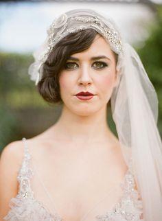 Trendy vintage wedding hairstyles with veil gatsby brides ideas - Weddinghairstyles Vintage Veils, Vintage Wedding Hair, 1920s Wedding, Wedding Veils, Wedding Dresses, Wedding Mandap, Wedding Stage, Hair Wedding, Wedding Receptions