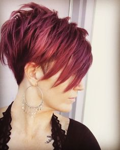 selecting-your-perfect-pixie-haircut - Fab New Hairstyle 2 Funky Short Hair, Short Hair Model, Cute Hairstyles For Short Hair, Short Hair Cuts For Women, Short Hair Styles, Edgy Pixie Haircuts, Latest Haircuts, Hairstyles 2016, Popular Haircuts