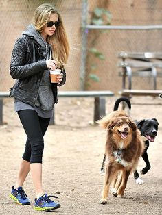 AMANDA SEYFRIED #dogs #pets