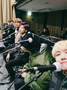 Jhope jimin rap monster v jin jungkook bts suga Seokjin, Kim Namjoon, Kim Taehyung, Taehyung 2017, Bts Selca, Jimin Jungkook, Bts Bangtan Boy, Foto Bts, Hip Hop