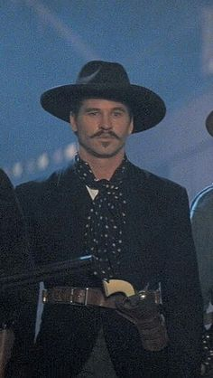 Val Kilmer as Doc Holliday ❤❤❤ Western Photo, Western Film, Western Movies, Western Art, Western Quotes, Val Kilmer Jim Morrison, Tombstone Movie, Tombstone 1993, Hollywood Star