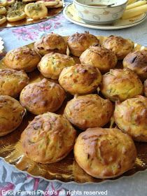 muffin with zucchini and bacon - Muffin salati alle zucchine con pancetta affumicata Bacon Muffins, Cannoli, Biscotti, Antipasto, Street Food, Finger Foods, Baked Potato, Zucchini, Food And Drink
