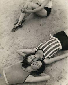 madivinecomedie:Martin Munkacsi. Der schöne Herbst,die letzten warmen Sonnestrahlen 1929