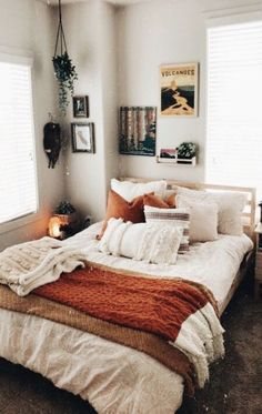 bed room inspiration bed room inspo The Consolation Seashore Marriage ceremony Attire Certainly, tre Cream Bedrooms, Teenage Room Decor, Cute Room Decor, Wall Decor, Aesthetic Room Decor, Dream Rooms, My New Room, House Rooms, Living Rooms