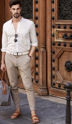 Male Fashion Trends, Latest Mens Fashion, Men's Fashion, Barefoot Men, Mens Flip Flops, Gentleman Style, Good Looking Men, Fashion Lookbook, Parisian Style