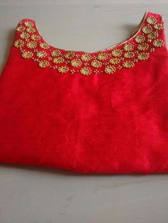 End Customization with Hand Embroidery & beautiful Zardosi Art by Expert & Experienced Artist That reflect in Blouse , Lehenga & Sarees Designer creativity that will sunshine You & your Party. Embroidery On Kurtis, Kurti Embroidery Design, Embroidery Works, Embroidery Dress, Beaded Embroidery, Hand Embroidery, Kurtha Designs, Chudi Neck Designs, Salwar Neck Designs