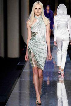 Atelier Versace Spring 2014 Couture: Heidi Klum (www.ifiwasastylist.blogspot.com)