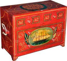 Cômoda de navio estilo inglês, em madeira pintada e dec..