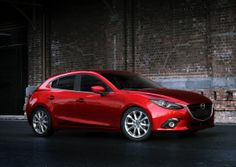 The 2014 Mazda MAZDA3 is one of the top rated hatchbacks on TCC.