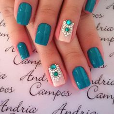 Opting for bright colours or intricate nail art isn't a must anymore. This year, nude nail designs are becoming a trend. Here are some nude nail designs. Love Nails, How To Do Nails, Teal Nails, Green Nails, Vip Nails, Best Nail Art Designs, Teal Nail Designs, Nagel Gel, Fabulous Nails