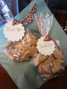 Cute favor...especially tied with giraffe print ribbon!