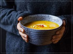 Fooby: Jerusalem artichoke soup (Topinambursuppe mit Safran) – Stephanie Hüsler-Herring – Join the world of pin Cooking With Kids, Cooking Time, New Recipes, Soup Recipes, Jerusalem Artichoke Soup, Valeur Nutritive, Food Trends, Carpe Diem, Original Recipe