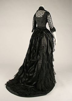 Dress, Evening. American/European, 1881-84. Bea. http://www.metmuseum.org/collections/search-the-collections/80032630?img=2