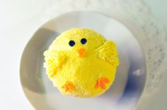 Tutorial Tuesday: How to make an Easter chick cupcake! | JUNIPER CAKERY | Beautiful baking and cake decorating supplies