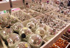 palle in vetro argento per il Natale http://www.alberti-import-export.com/indice-decnata.asp