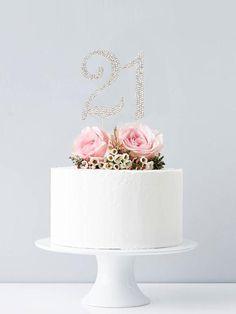 Woman Birthday Cakes, 21 Bday Cake, 40th Birthday Cake For Women, Birthday Cake For Women Elegant, Little Girl Birthday Cakes, Cake Table Birthday, White Birthday Cakes, Birtday Cake, Elegant Birthday Cakes