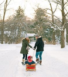 Today I'm sharing 5 ways to nail your winter family photos on the blog! One ti