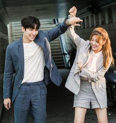 "Ji Chang Wook y Nam Ji Hyun en el set de ""Suspicious Partner"" Korean Actresses, Korean Actors, Korean Dramas, Suspicious Partner Kdrama, Partner Quotes, Ji Chan Wook, Moorim School, Drama Funny, Web Drama"