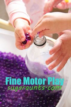 fine motor play ideas for working on In-hand manipulation skills. Make strengthening fun! By the Sugar AuntsTwo fine motor play ideas for working on In-hand manipulation skills. Make strengthening fun! By the Sugar Aunts Motor Skills Activities, Gross Motor Skills, Fun Activities For Kids, Sensory Activities, Preschool Activities, Sensory Play, Family Activities, Sensory Rooms, Sensory Table