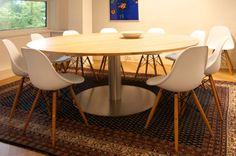 Grote ronde tafel Giro met stoelen namaak Eames