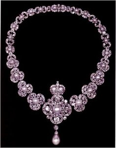 From Her Majestys Jewel Vault: Queen Victorias Golden Jubilee Necklace