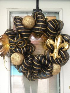 New Orleans Saints Wreath- Is this not cute @Taylor Wilson ?