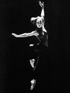 Sylvie Guillem dancing In the Middle, Somewhat Elevated by William Forsythe