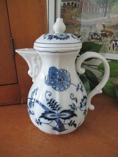 Blue Danube (Japan) Coffee Pot with Lid ~ Ribbon Mark #BlueDanube SOLD